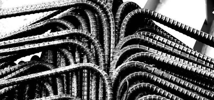 a bundle of deformed black rebars